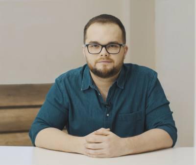 Tomasz Jaroszek, autor bloga Doradca TV